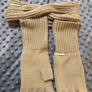 COPY - Michael Kors boxed set gloves and headband…